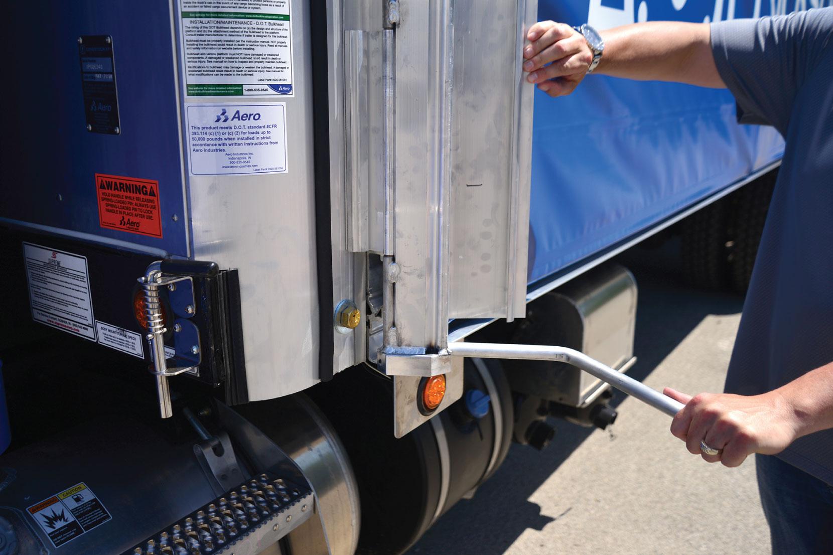 Aero Conestoga Flatbed Trailer Tarp System Locking Mechanism