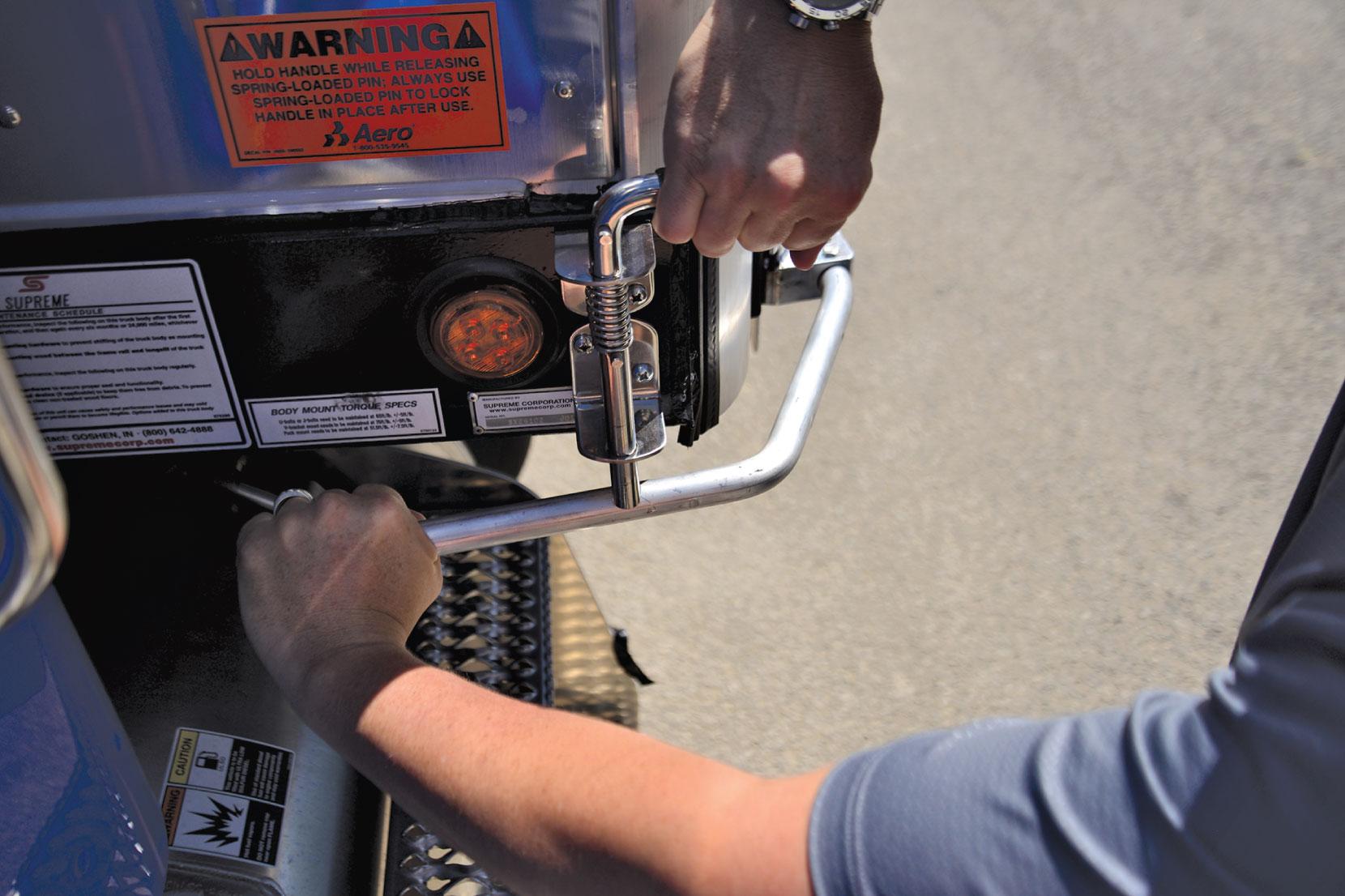 Aero Conestoga Flatbed Trailer Tarp System Crank Locking